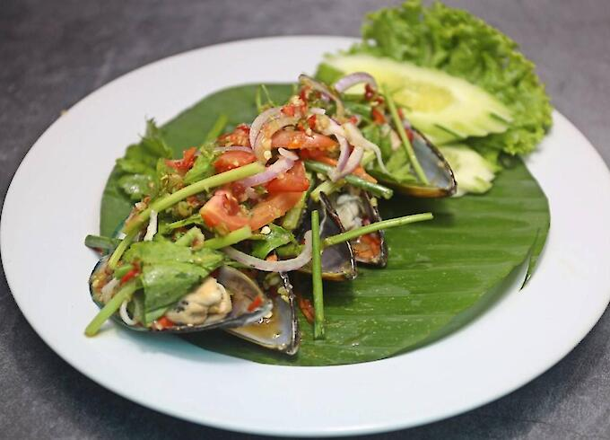 Spicy Mussel Salad