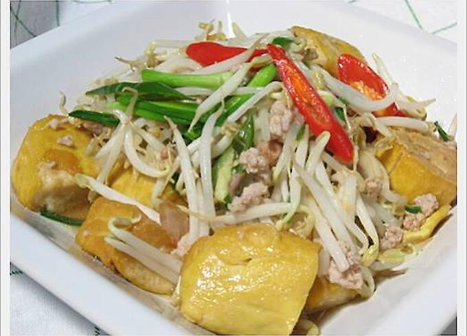 Stir-Fried Bean Sprouts with Tofu