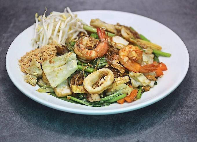 Pad Thai Fried Glass Noodle with Seafood