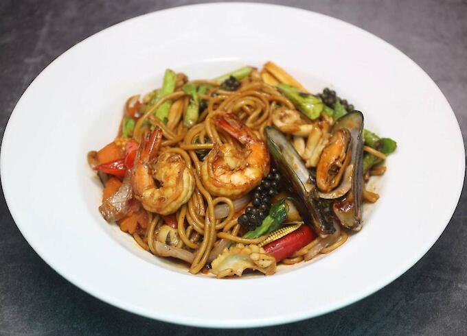 Stir-Fried Kao Mao Seafood
