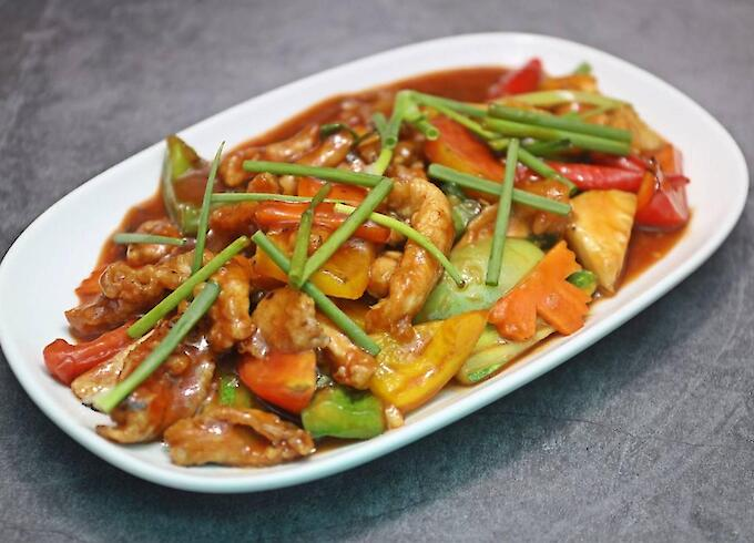 Stir-fried Chicken with Sweet and Sour Sauce