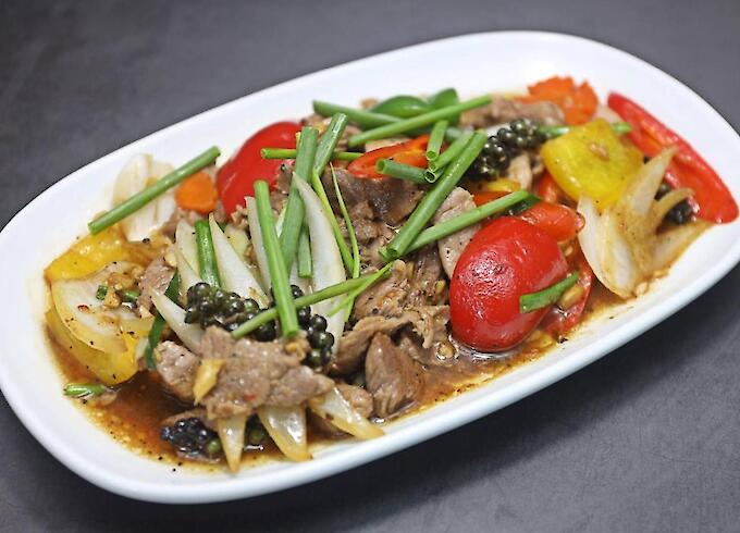 Stir-fried beef with pepper