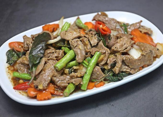 Stir-fried beef Basil