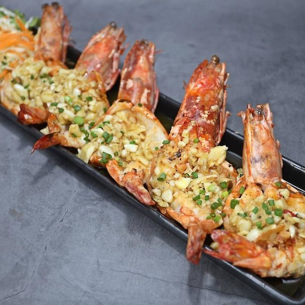Fried Tiger Prawn with kg. Garlic and Butter
