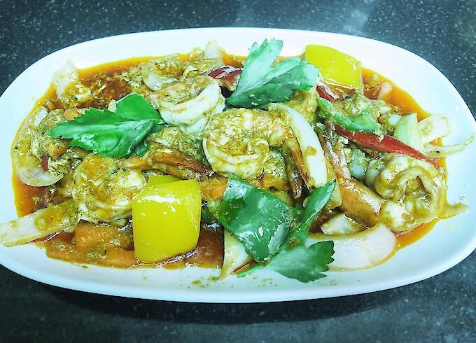 Stir-fried Prawn with Curry Powder