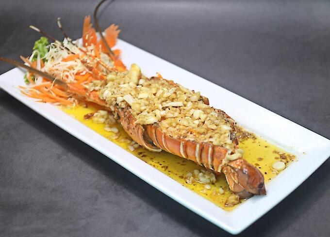 Deep Fried Lobster with Garlic