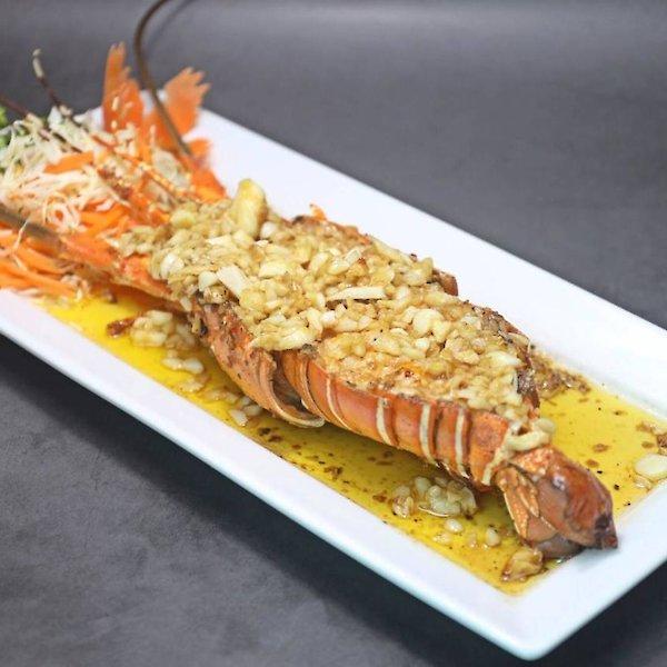Deep Fried Lobster with Garlic
