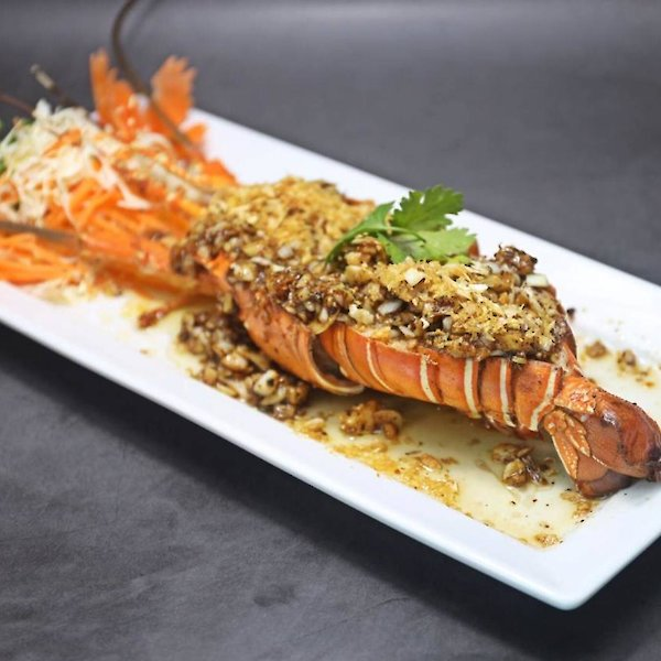Grilled Lobster with Garlic and butter sauce