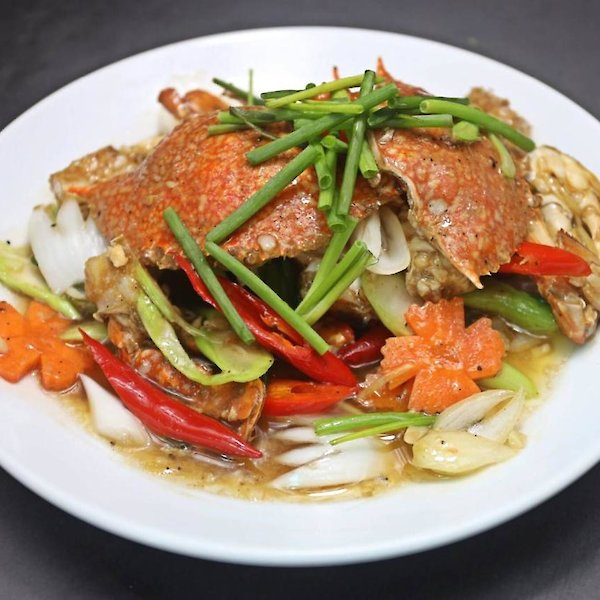 Stir-Fried Blue Crab with Green Onions