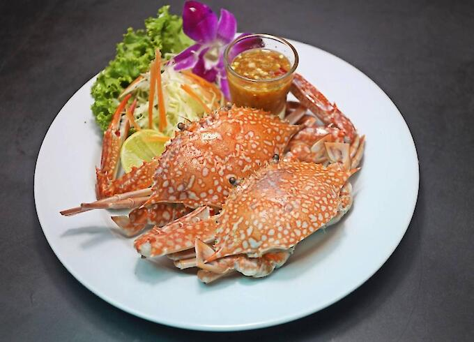 Steamed Blue Crab with Herbs