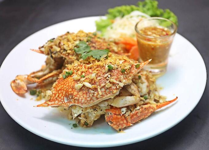 Deep Fried Blue Crab with Garlic