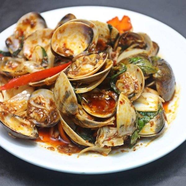 Stir-Fried Clams with Roasted Chilli Paste