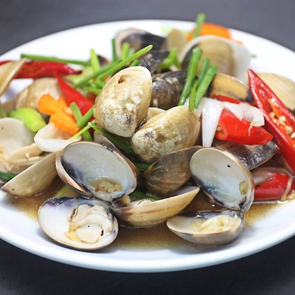 Stir-Fried Clams with Spring Onions