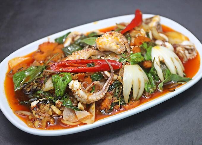 Stir-Fried Octopus with Roasted Red Curry Paste Sauce