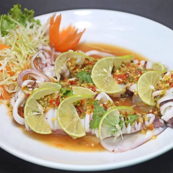 Steamed Squid with lemon sauce